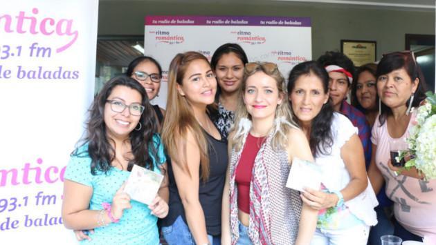 Vicky Corbacho celebró su cumpleaños en Ritmo Romántica y se encontró con sus fans