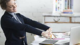 4 ejercicios simples para relajarte en el trabajo