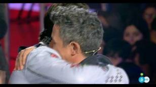 El abrazo con el que Alejandro Sanz puso fin a su rivalidad con otro artista [VIDEO]