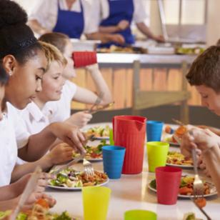 ¿Cómo implementar buenos hábitos alimenticios en nuestros hijos?