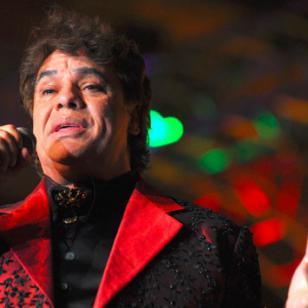 Juan Gabriel no permitía que nadie lo toque durante los conciertos por este motivo