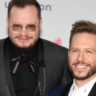 Sin Bandera presentará los  Premios Billboard 2017