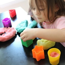 Aprende a hacer plastilina casera.