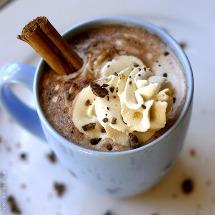Chocolate caliente especial, calienta tus frías tardes.