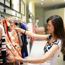 5 reglas básicas para combinar los colores de tus prendas.