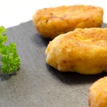 Croquetas de pollo caseras, fáciles y deliciosas.