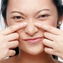 Elimina los puntos negros y asperezas de tu nariz.