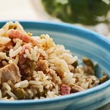 Deliciosa ensalada de arroz integral.