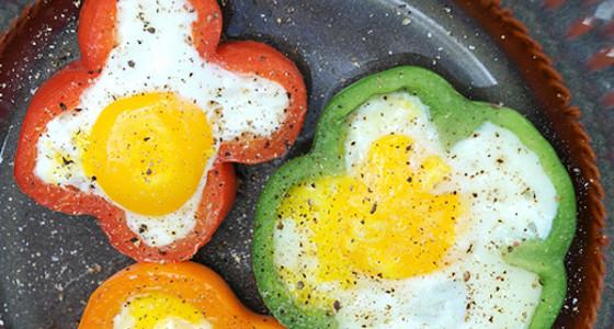 Huevos en pimiento