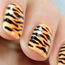 Lleva el animal print en tus uñas.