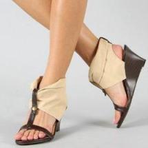 Lo último de la moda en sandalias verano 2012.