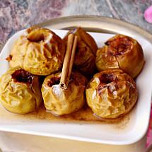 Manzanas asadas con canela y miel.