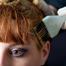 Trucos para evitar que tu cabello pierda color.