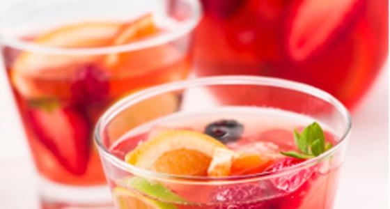 Ponche navideño de fresas