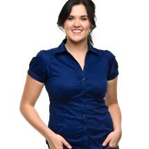 Descubre qué blusa usar según tu figura.