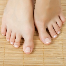Remedio casero para las uñas de los pies.