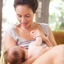 Tips para cuidar el busto durante la lactancia.