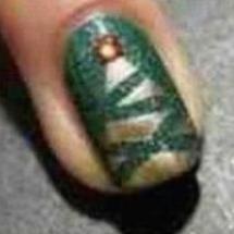 Luce la navidad en tus uñas.