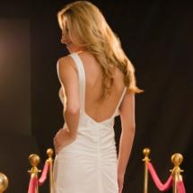 Qué vestido usar si tienes los hombros anchos.